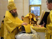 Епископ Балтийский Серафим совершил Литургию в Кафедральном соборе Христа Спасителя в День своего рождения
