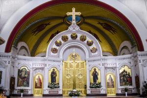 Рождественский иконостас Кафедрального собора Христа Спасителя