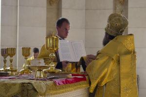 Божественная литургия в Кафедральном соборе Христа Спасителя