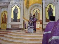 В Великую Субботу архиепископ Серафим совершил Божественную Литургию