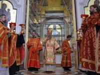 В Неделю жен-мироносиц архиепископ Серафим совершил Божественную литургию