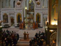 В праздник Светлого Христова Воскресения архиепископ Серафим возглавил пасхальное богослужение в Кафедральном соборе Христа Спасителя