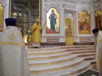 В Неделю 16-ю по Пятидесятнице архиепископ Серафим совершил Божественную литургию